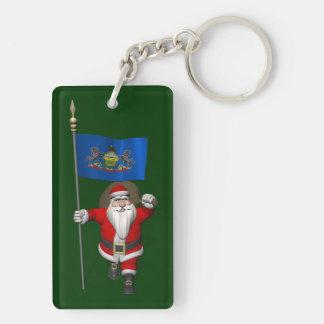 Papá Noel con la bandera de Pennsylvania Llavero Rectangular Acrílico A Doble Cara