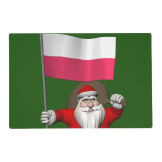 Papá Noel con la bandera de Polonia Salvamanteles