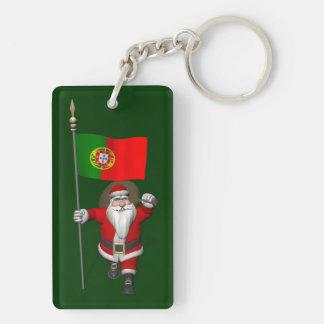 Papá Noel con la bandera de Portugal Llavero Rectangular Acrílico A Doble Cara