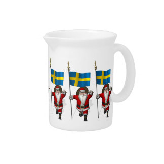 Papá Noel con la bandera de Suecia Jarras Para Bebida
