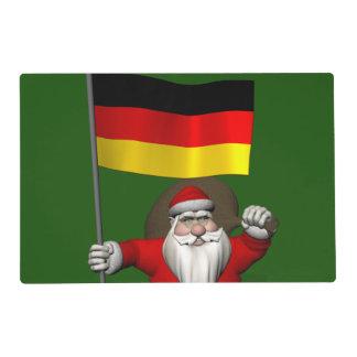 Papá Noel divertido con la bandera de Alemania Tapete Individual