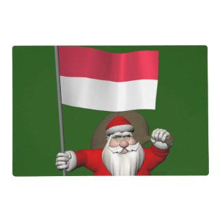 Papá Noel dulce con la bandera de Indonesia Salvamanteles