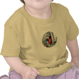 Papá Noel en la chimenea Camiseta