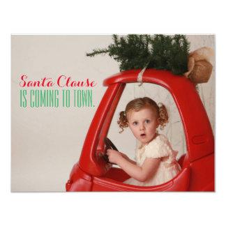 """Papá Noel está viniendo a la tarjeta de Navidad de Invitación 4.25"""" X 5.5"""""""