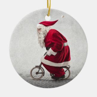 Papá Noel monta una bicicleta Adorno Navideño Redondo De Cerámica