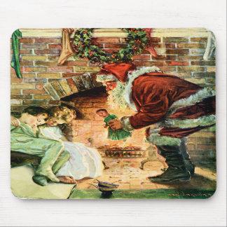 Papá Noel que entrega presentes Tapete De Raton