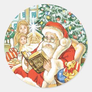 Papá Noel que lee la biblia el Nochebuena Pegatina Redonda