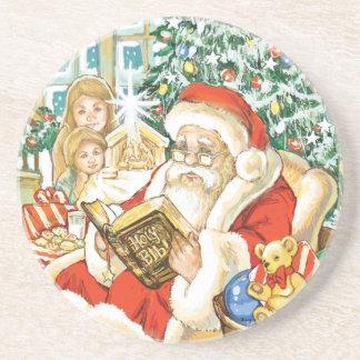 Papá Noel que lee la biblia el Nochebuena Posavasos Diseño