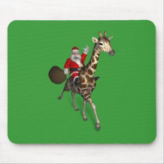 Papá Noel que monta una jirafa Alfombrilla De Ratón