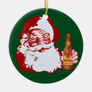 Papá Noel retro con el navidad de una cerveza Adorno Navideño Redondo De Cerámica