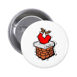 Papá Noel se pegó en chimenea Pin Redondo De 2 Pulgadas