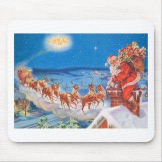 Papá Noel y su reno poderoso Alfombrilla De Raton