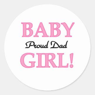 Papá orgulloso de la niña pegatina redonda