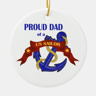 Papá orgulloso de un ornamento del marinero de los adorno redondo de cerámica