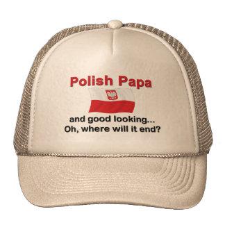 Papá polaca apuesta gorros bordados