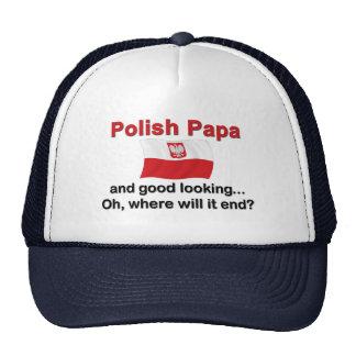 Papá polaca apuesta gorras