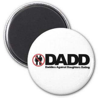 Papás de DADD contra fechar de las hijas Imán