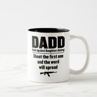 papás del dadd contra fechar de las hijas divertid tazas de café