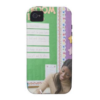 Papel de clasificación de los chicas del profesor  iPhone 4/4S fundas