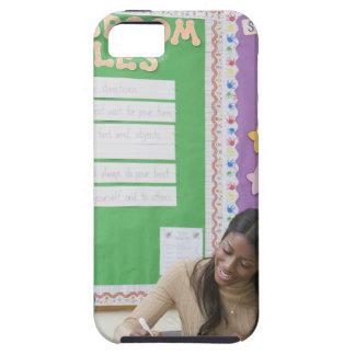 Papel de clasificación de los chicas del profesor  iPhone 5 Case-Mate protector
