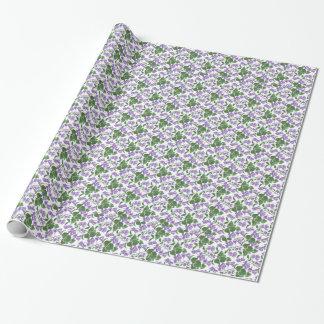Papel de embalaje bonito de las violetas a papel de regalo