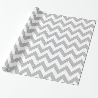 Papel de embalaje gris claro y blanco de Chevron Papel De Regalo