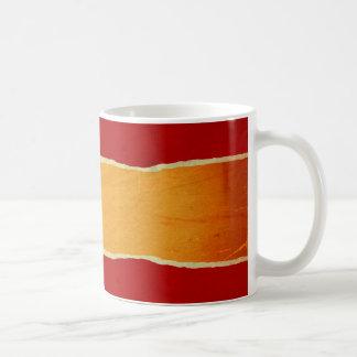 Papel de embalaje rasgado rojo del navidad taza clásica