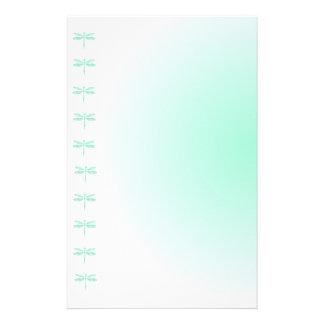Papel de escribir de las libélulas de la aguamarin papelería personalizada