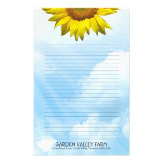 Papel de escribir personal alineado del cielo azul  papeleria de diseño