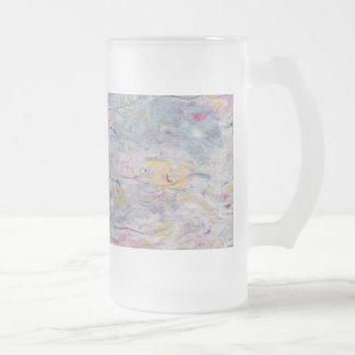 Papel hecho en casa con acentos coloridos de la taza de cristal