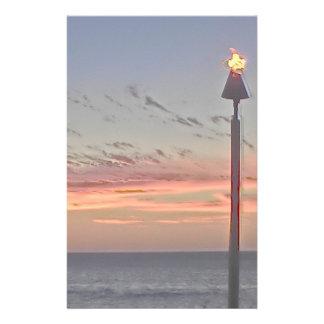 Papel inmóvil de la puesta del sol de la antorcha  personalized stationery