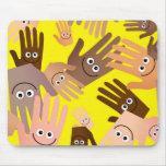 Papel pintado feliz de las manos tapetes de raton
