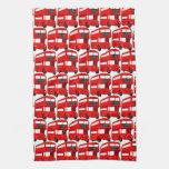 Papel pintado rojo del autobús del autobús de dos  toallas de cocina