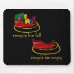Papeleras de reciclaje del trineo del navidad tapete de raton