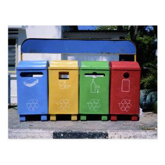 Papeleras de reciclaje malasias tarjeta postal