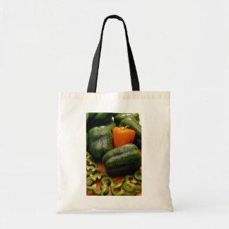 Paprikas frescos del naranja y del verde bolsa lienzo