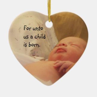 para a nosotros un niño es ornamento nacido adorno de cerámica en forma de corazón