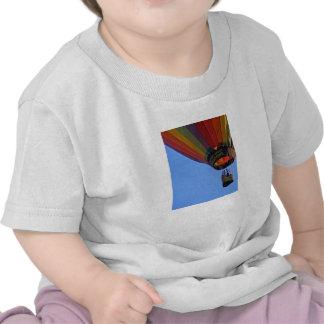 """""""Para arriba, encima de y lejos """" Camiseta"""