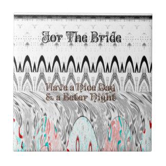 Para el diseño nervioso blanco y negro de la novia azulejo cuadrado pequeño