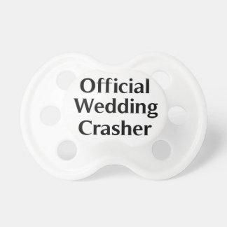 Para el intruso oficial del boda del bebé chupete