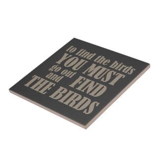 Para encontrar los pájaros azulejo cerámica