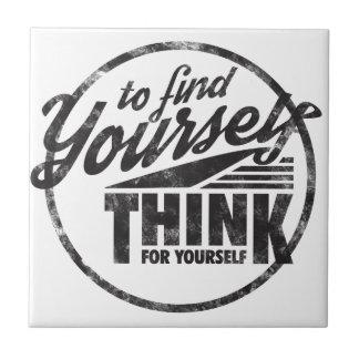 Para encontrarse, piense para sí mismo azulejo cuadrado pequeño