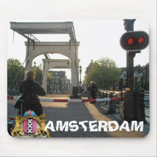 Para puente flaco que espera Amsterdam Mousepad