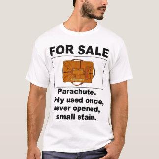 Paracaídas para la camiseta de la venta