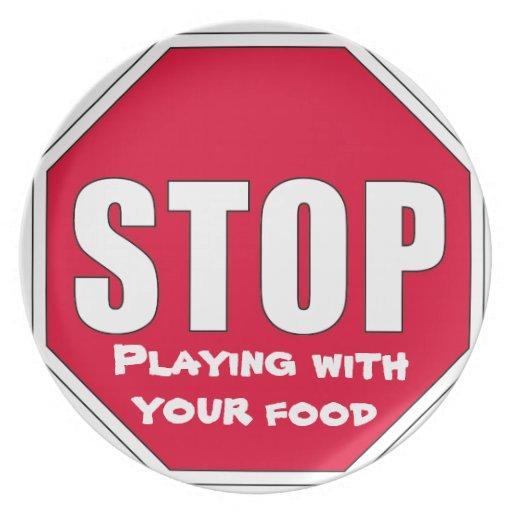 ¡Parada! El jugar con su comida Platos Para Fiestas