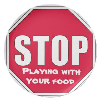 ¡Parada El jugar con su comida Platos De Comidas