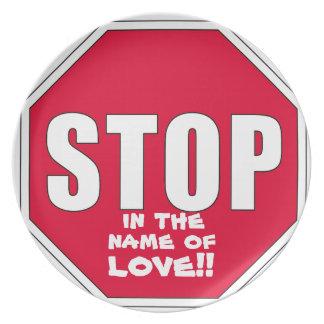 ¡Parada! ¡En nombre de amor! Platos Para Fiestas