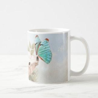 Paradise draws coffee mug
