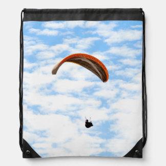 Paragliding en las nubes mochilas