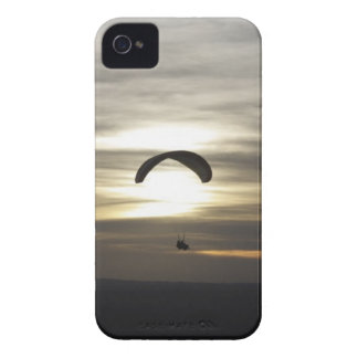 Paragliding iPhone 4 Cover